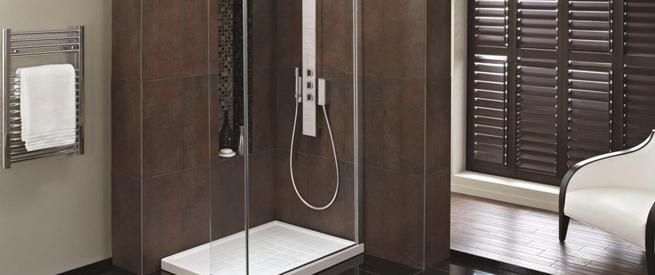 Plato ducha de obra for Tipos de mamparas para platos de ducha